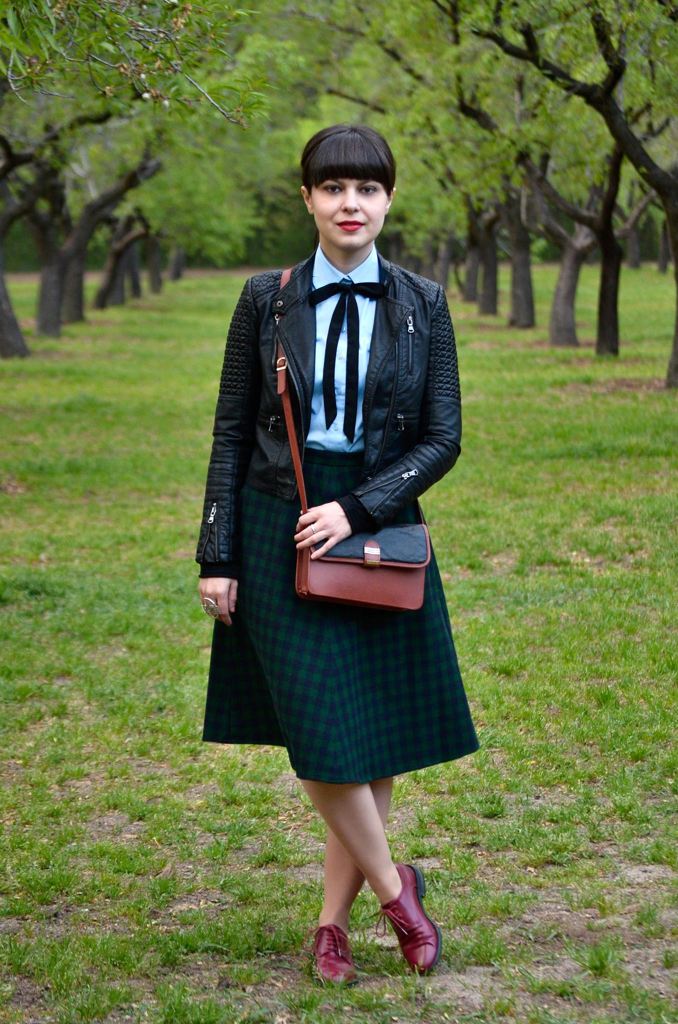 school girl outfit in madrid green tartan midi skirt thrifted brown bag satchel sky blue shirt black bow tie bangs burgundy oxford shoes poema spring green fresh park