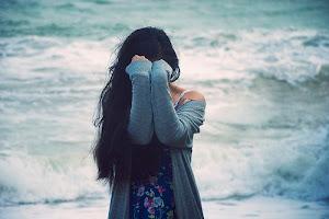 Siento el miedo de querer, de querer tenerte cerca y que no estés.