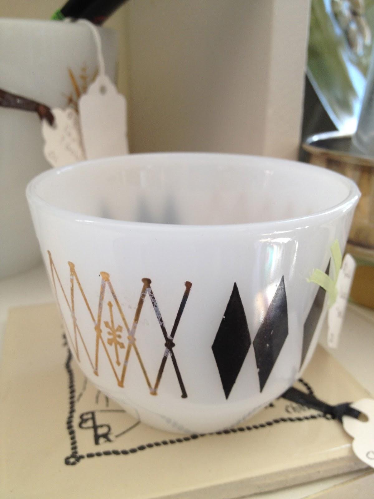 C. Dianne Zweig - Kitsch \'n Stuff: Atomic Era White And Black Pyrex ...