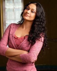 EXPLORE: old malayalam actress shobana navel