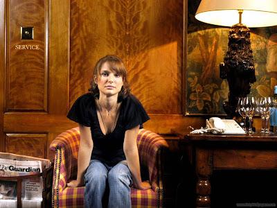 Natalie Portman Glamorous Wallpaper-905-1600x1200