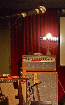 Yo La Tengo stage