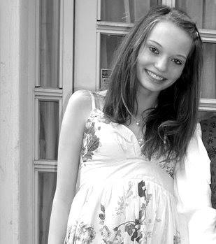 Menina de 14 anos suicida-se depois de ter sido violada por imigrantes