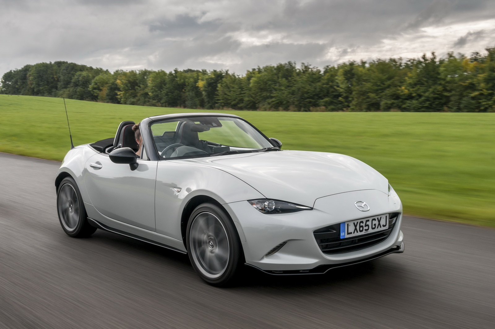new mazda mx 5 sport recaro limited edition gives you all. Black Bedroom Furniture Sets. Home Design Ideas