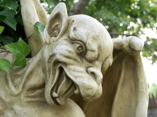 Gargoyle Garden Statues   Blogger