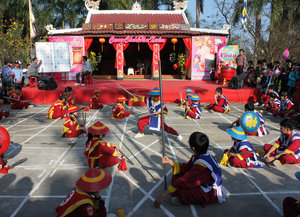 Human chess performance by kids at 29/3 Park