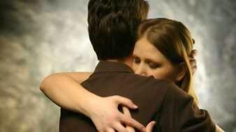 Abrazar a alguien fallecido