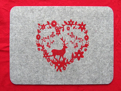felt placemat with red deer