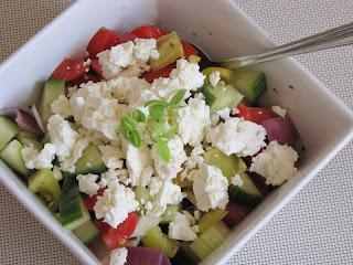 http://www.vseovareni.cz/recepty/sopsky-salat-se-sladkokyselou-zalivkou/