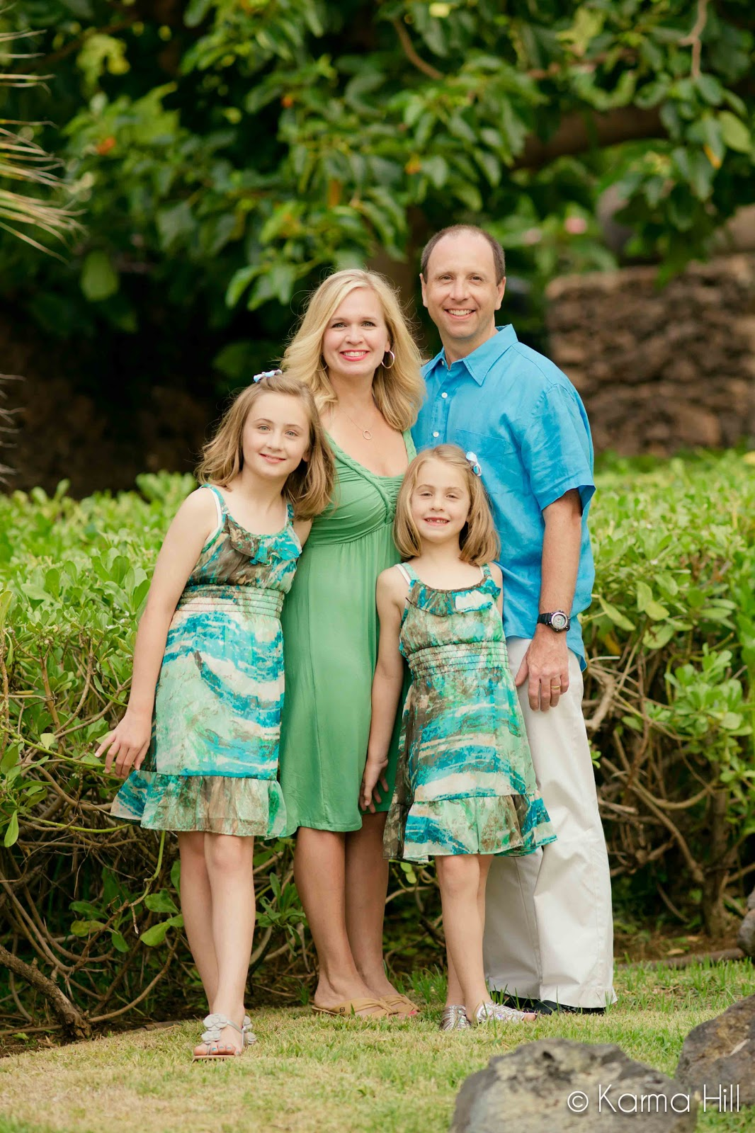 Maui Photographers by Maui Vacation Portraits: WHAT TO WEAR?