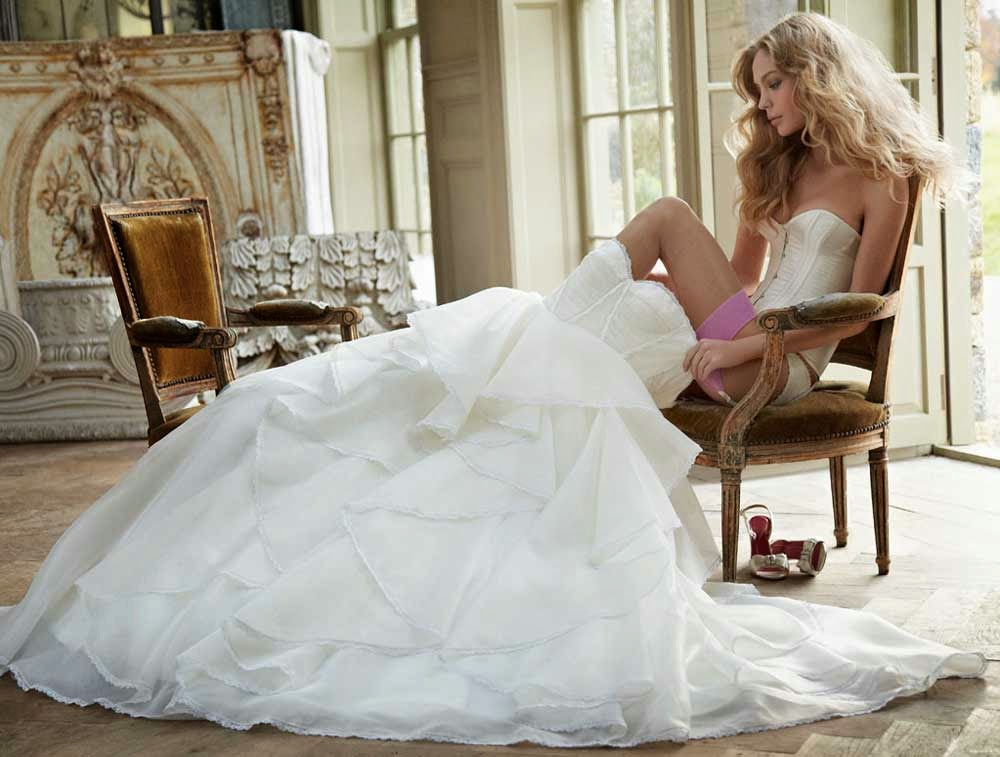 Couture White Ball Gown Wedding Dresses Long Trains 2013 Design pictures hd