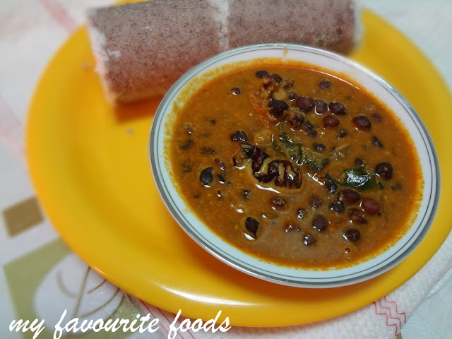 Black chickpeas in coconut gravy