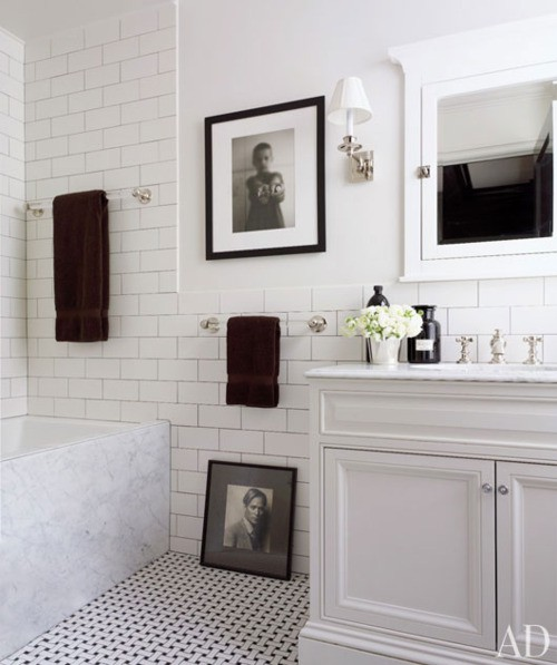 The Modern Sophisticate: Classic Bathroom Design
