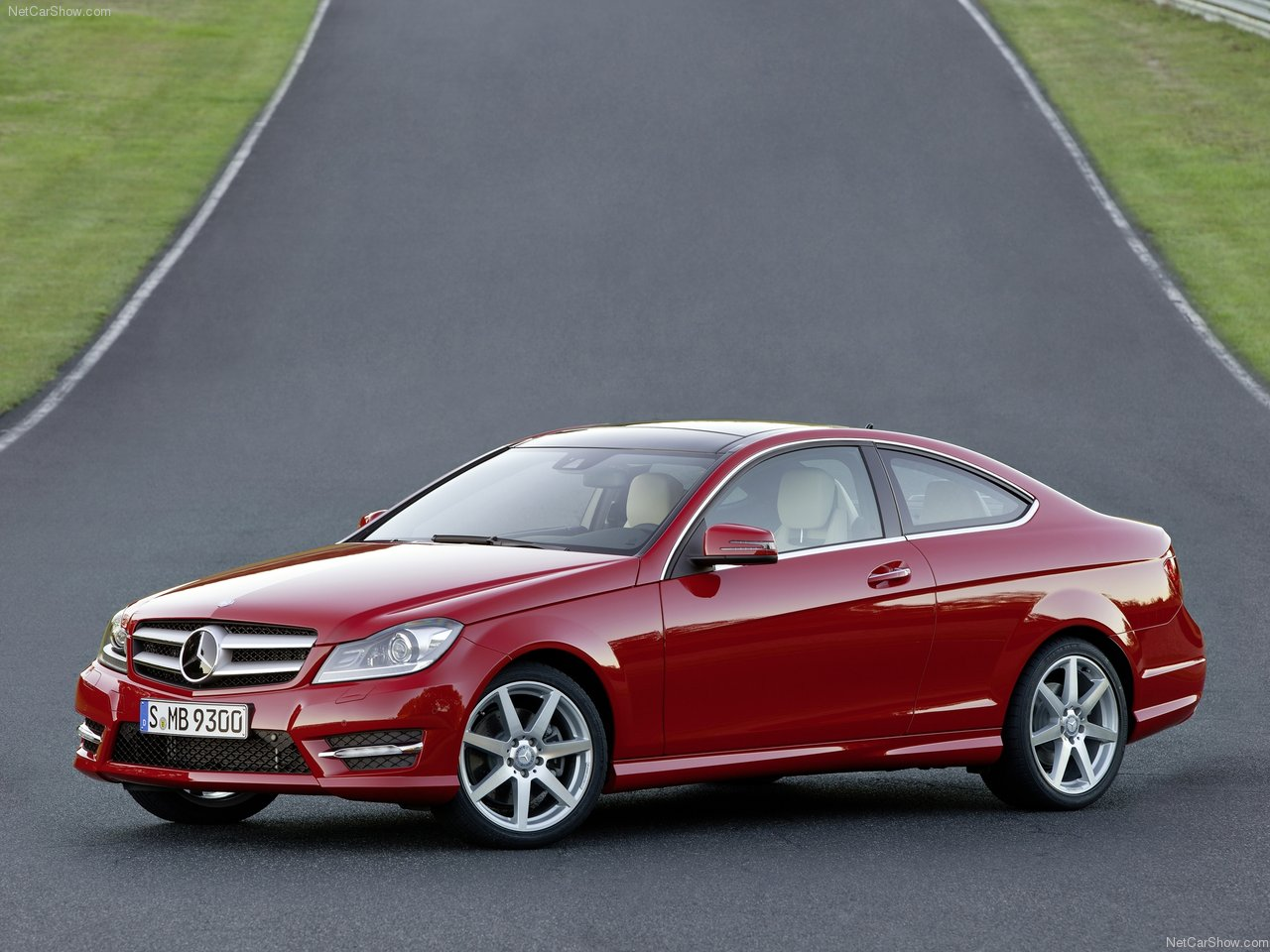 http://1.bp.blogspot.com/-ZGJuQX_x8Vg/TV7_fD1AseI/AAAAAAAABlE/N1afoCkahCs/s1600/Mercedes-Benz-C-Class_Coupe_2012_1280x960_wallpaper_08.jpg