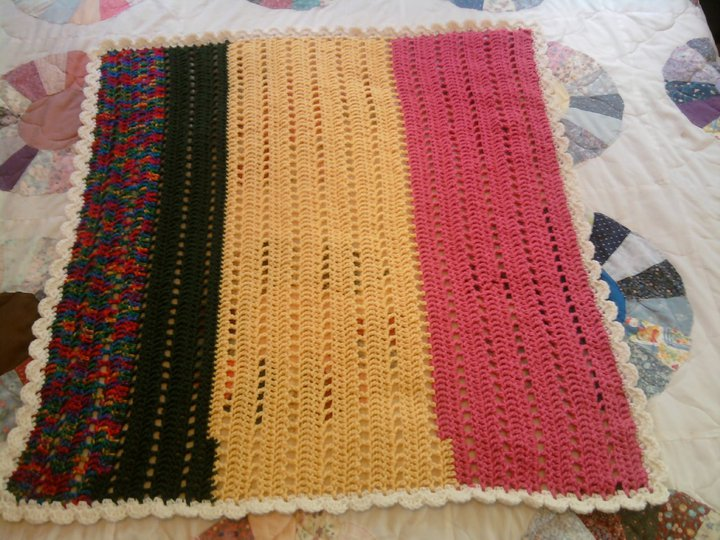 Cheryl\'s Items of Interest: Crocheted Lapghan for my Grandma