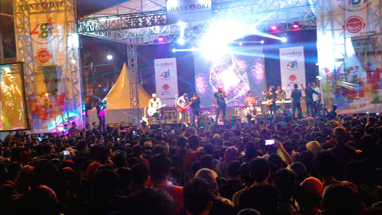 http://www.liataja.com/2014/06/meriahnya-jakarta-night-festival-saat.html