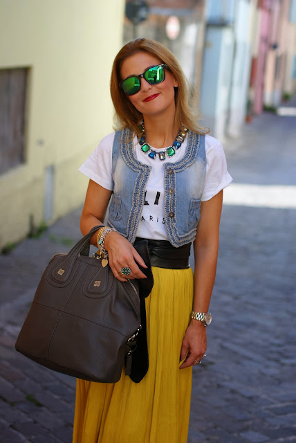 Celine t-shirt, Persunmall vest, Michael Kors watch, Givenchy Nightingale, Fashion and Cookies, fashion blogger