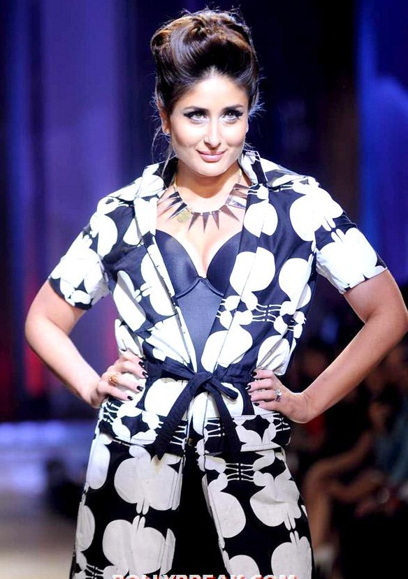 Lakme fashion week 2012 kareena kapoor looking fat but also very cute