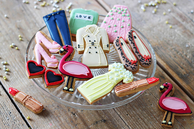 Biscuiteers fashionista tin