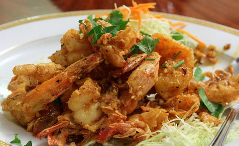 Peppery and crisp fried delicious prawns