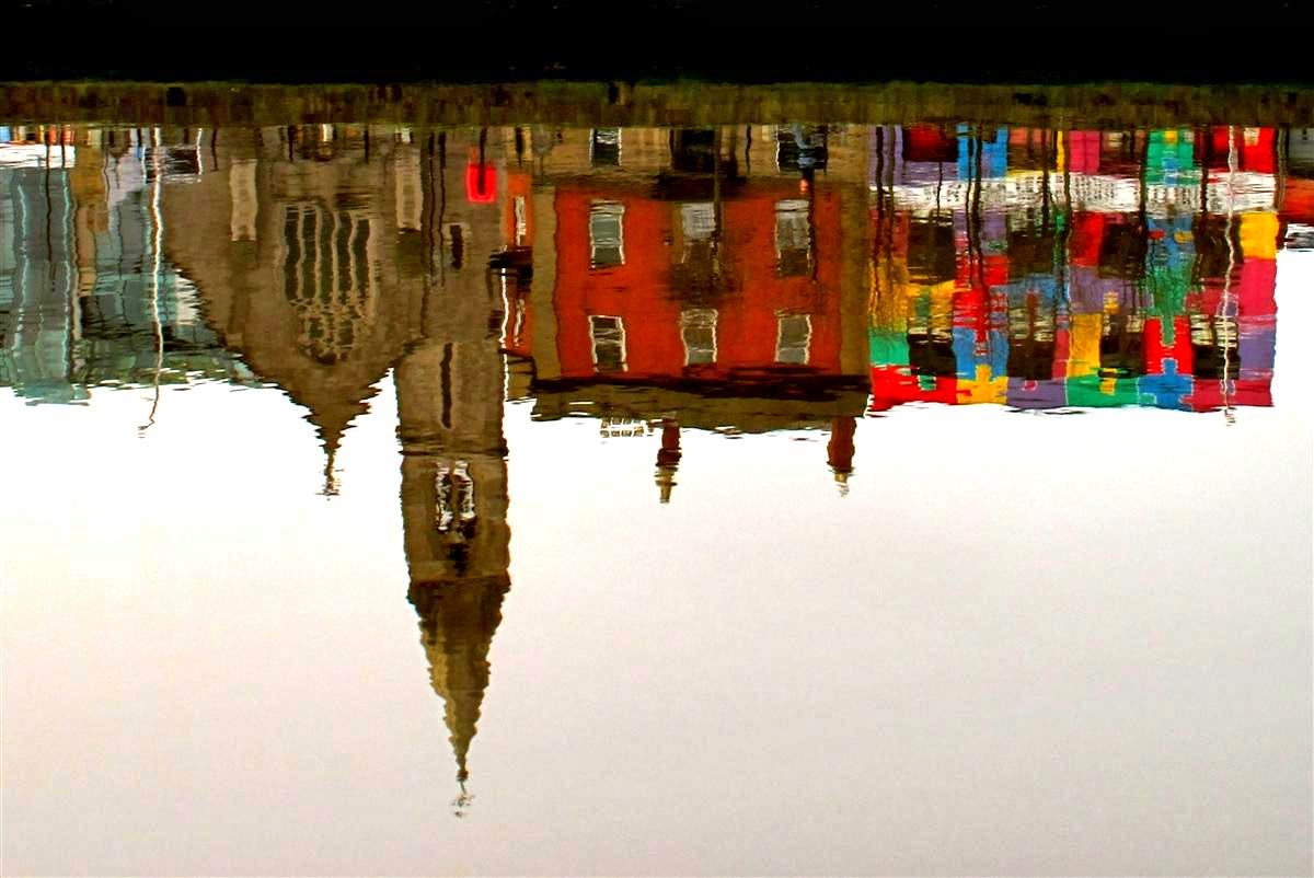 Dublin view, reflection in the river