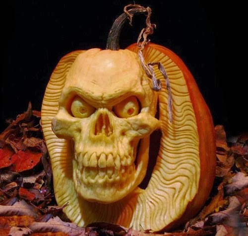 02-Halloween-The-Pumpkins-Villafane-Studios-Ray-Villafane-Sculpting-www-designstack-co