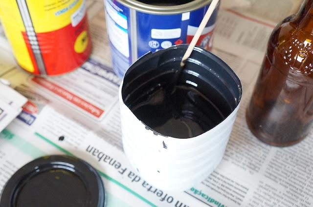 Misturando a tinta com thinner