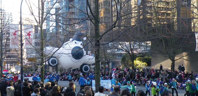Santa Claus Parade, Vancouver, 2011, wet jet