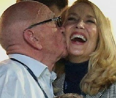 JERRY HALL IS BEING EATEN BY A LIZARD!