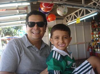 Meu filho Gustavo e seu filho Pedro