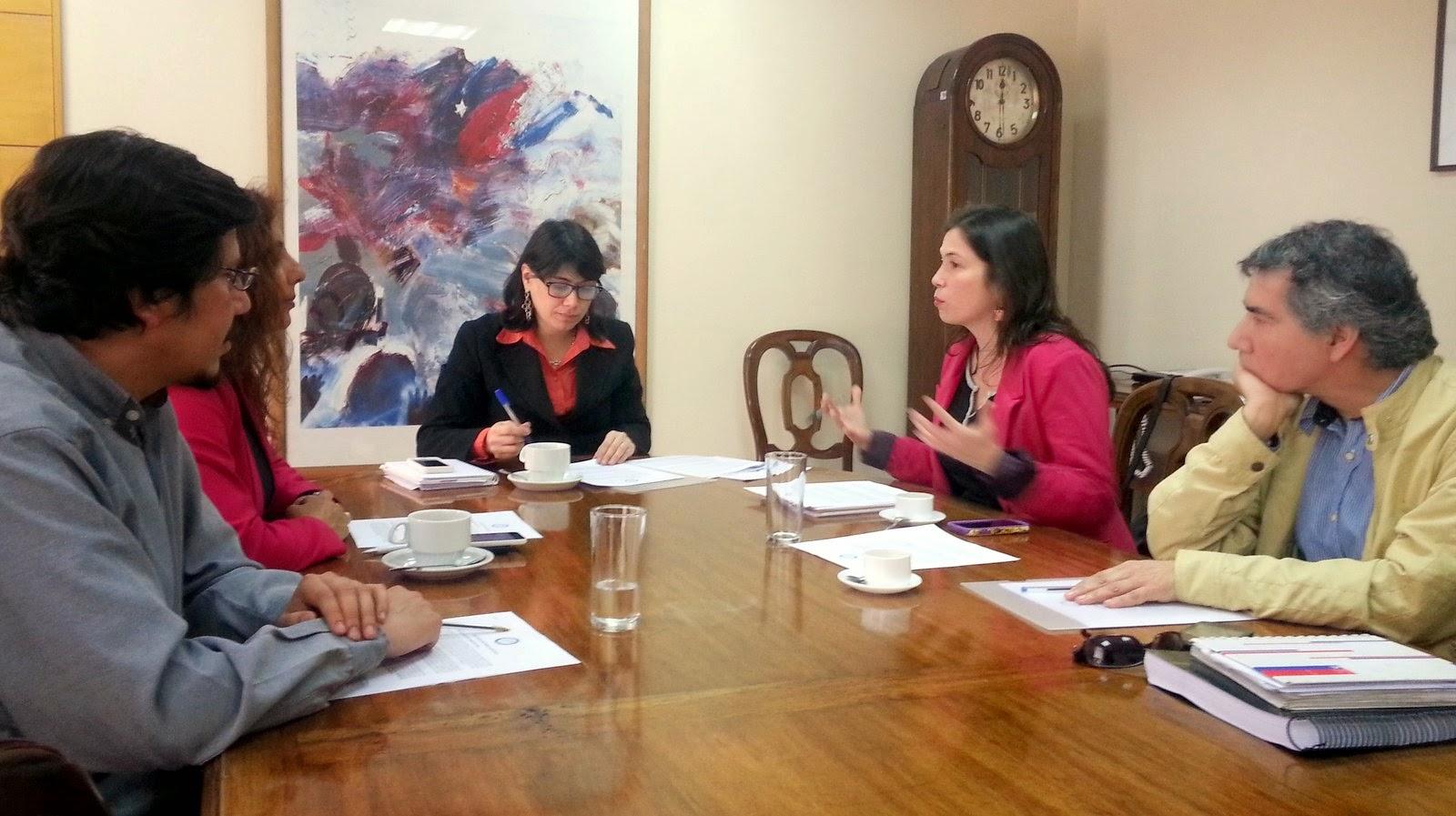 Colegio de Periodistas y ministerio del Trabajo acuerdan conformar mesa laboral para el área de las comunicaciones