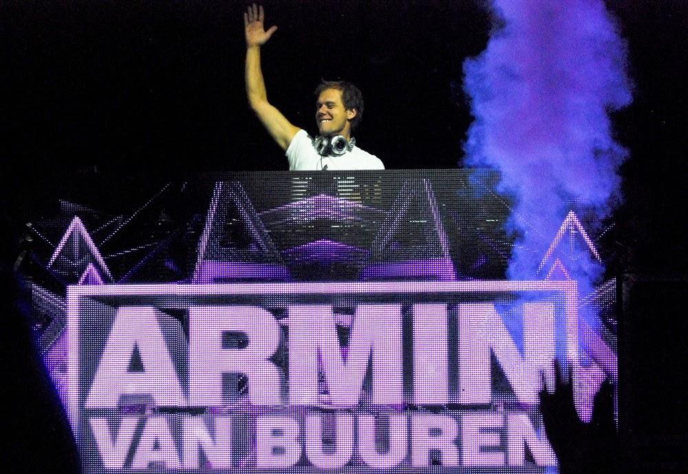 http://www.aceshowbiz.com/events/Armin%20van%20Buuren/armin-van-buuren-b96-pepsi-jingle-bash-2013-02.html