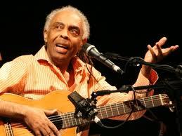 Gilberto Gil canta o tema de abertura de Joia Rara