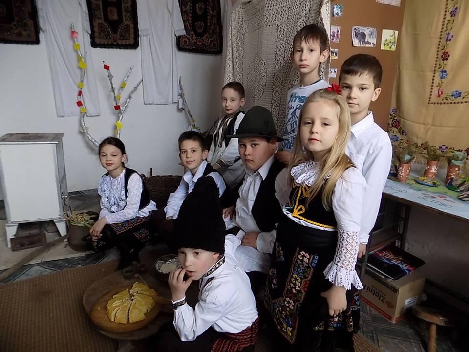 Ученици одељења у Изварици (школска 2015/2016. година)