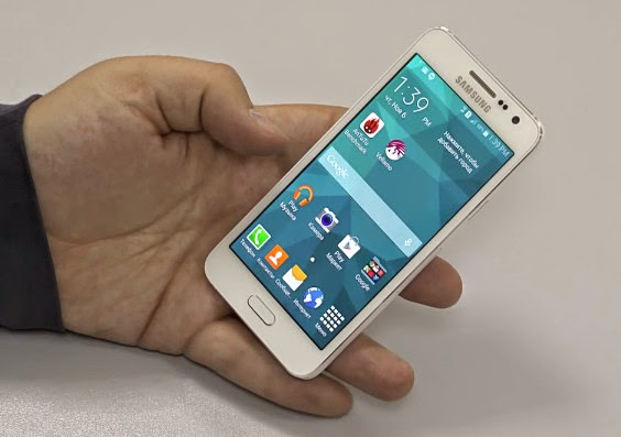 http://1.bp.blogspot.com/-ZHpysnVNb8s/VK6BDDgZQ0I/AAAAAAAAdpE/y0kcAqcLWGk/s1600/Samsung%2BGalaxy%2BA3%2Bi.jpg