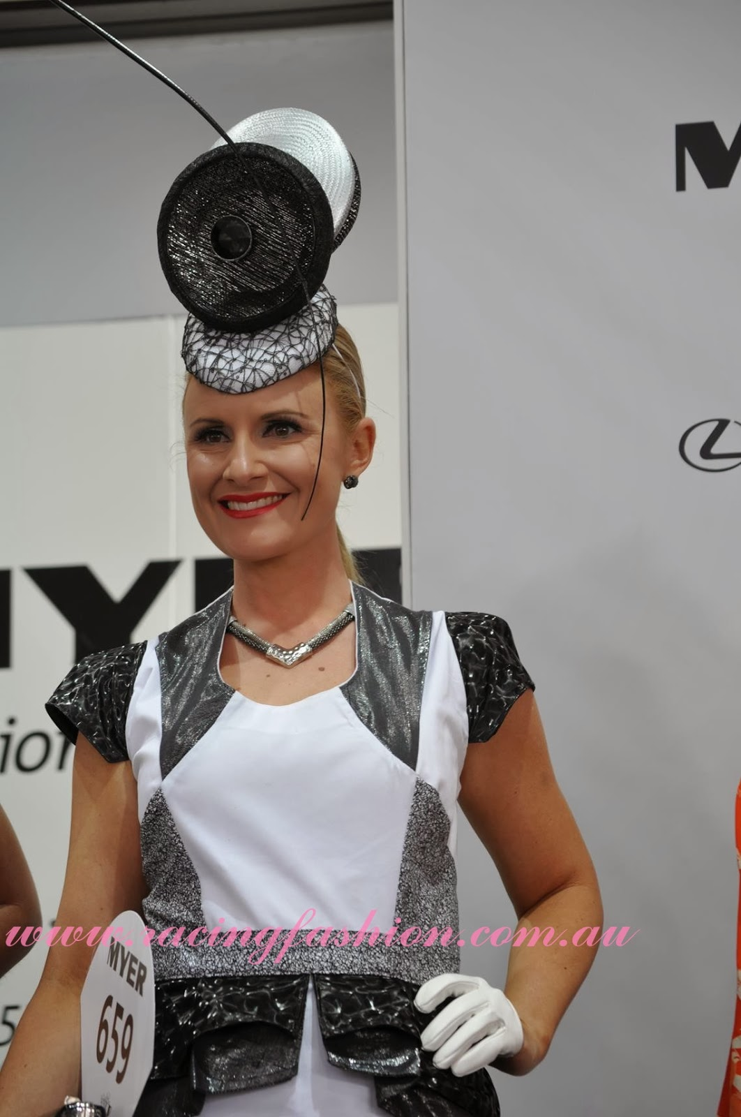 ELLE s Best Dressed From The 2017 Kennedy Oaks Day ELLE 11