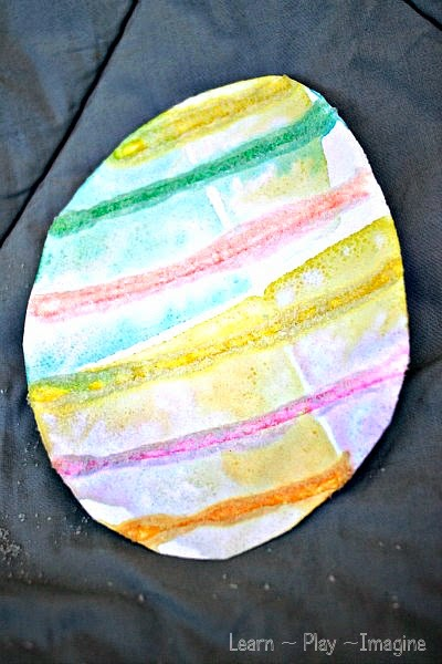 Simple Easter egg craft for kids - absorption art