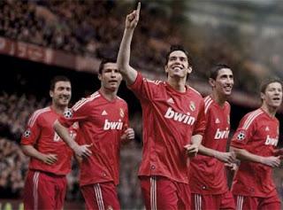 Di María será el embajador de la camiseta roja del Real Madrid