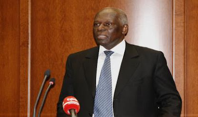 """José Eduardo dos Santos condena """"veementemente"""" crise militar em Bissau"""