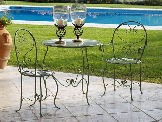 Rustik chateaux 8 modelos de muebles de hierro para el for Modelos de sillas de hierro