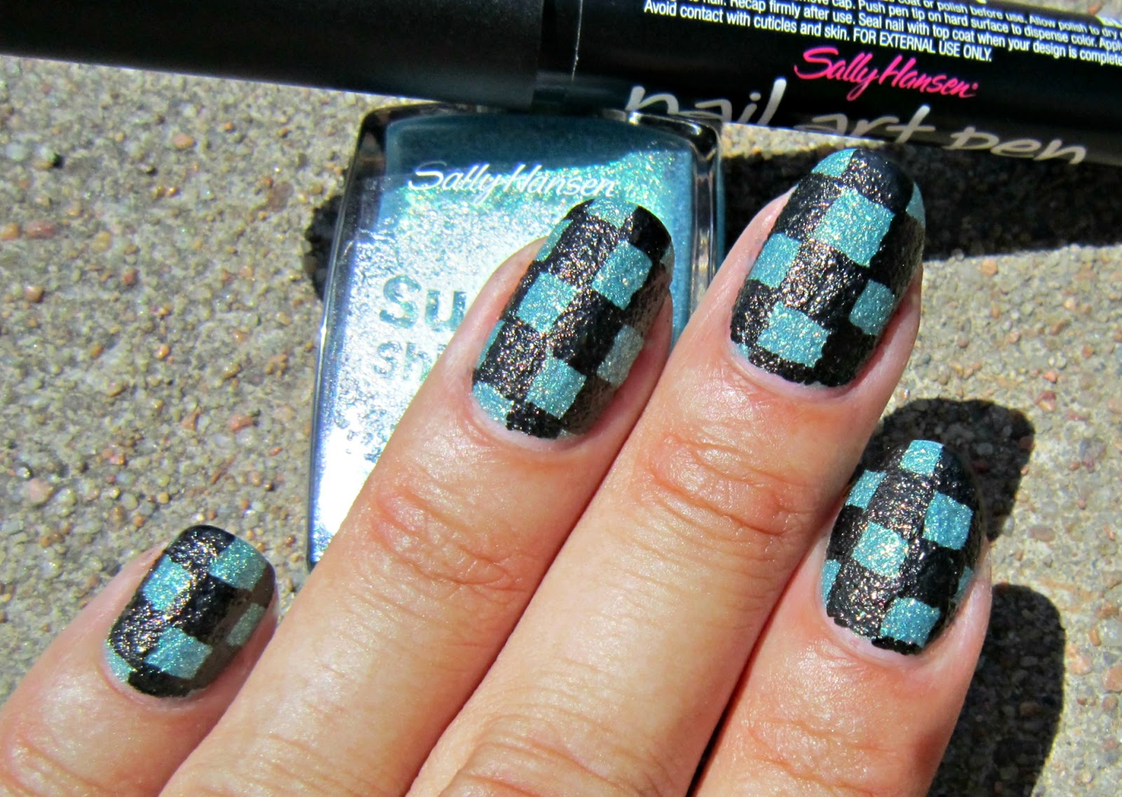 Concrete and nail polish nail art pen grab onto the nail art pen and keep it in place without a topcoat though and it turns out i was right fun experiment that turned out pretty great prinsesfo Images