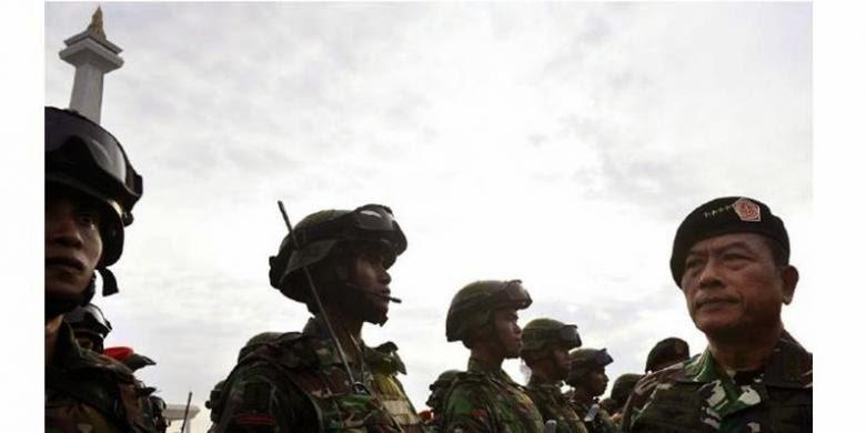 Ahok Wacanakan Rekrut TNI Jadi Honorer, Bagaimana Nasib Satpol PP?
