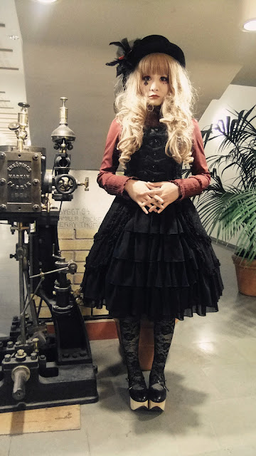 womens gothic lolita clothing