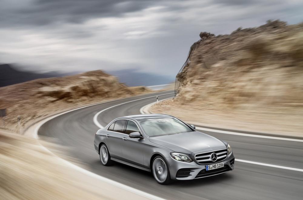 2017-Mercedes-E-Class-30.jpg