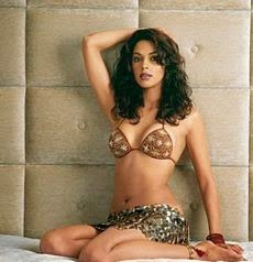 Mallika Sherawat's Latest Top 25 Unseen Hot Pics,Mallika Looks Very Hot In Backless