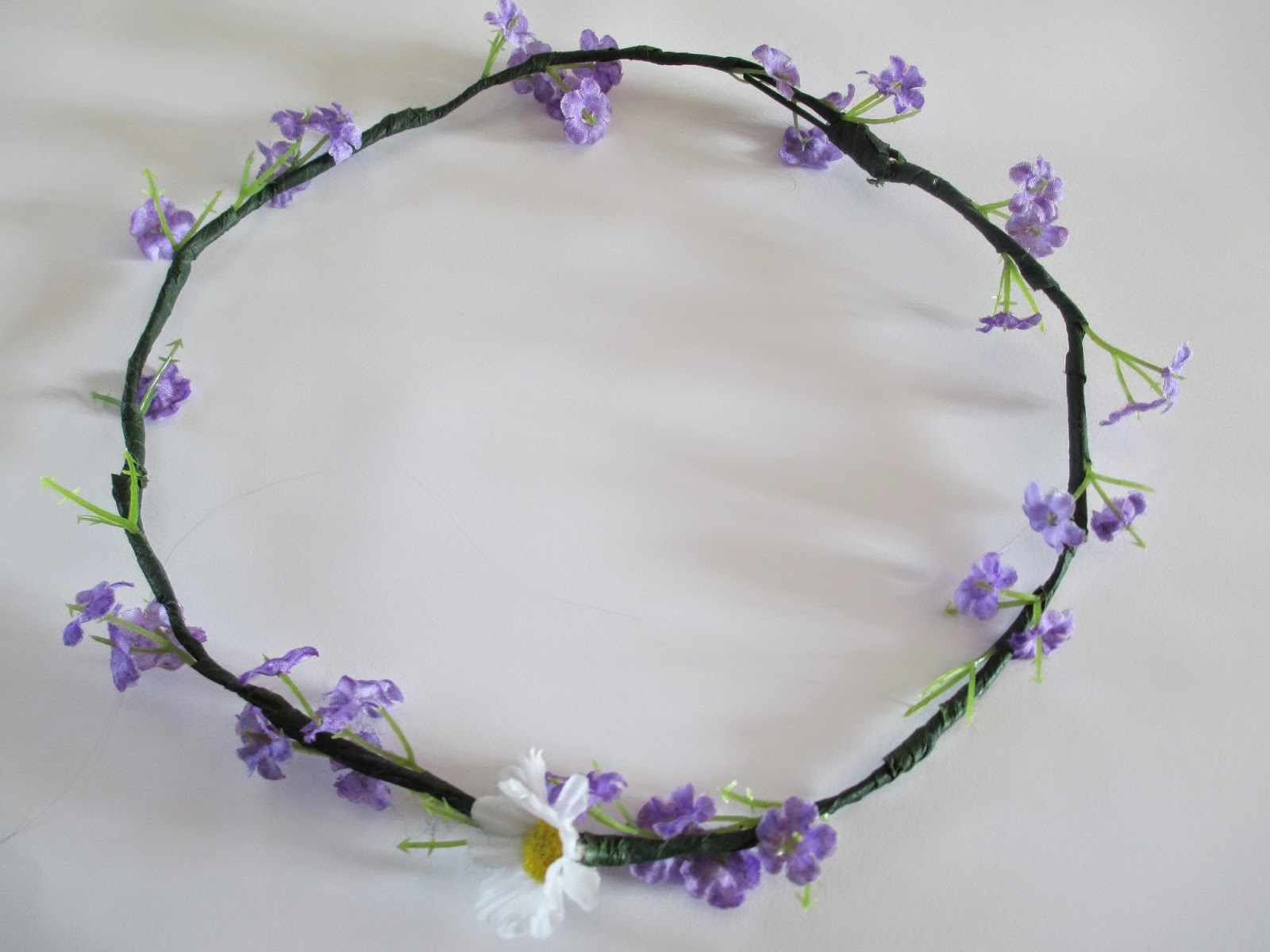 Tins little world diyupcycled flower crown diyupcycled flower crown another diy i need to do something different but i just find myself doing diys anyway so why not share them izmirmasajfo