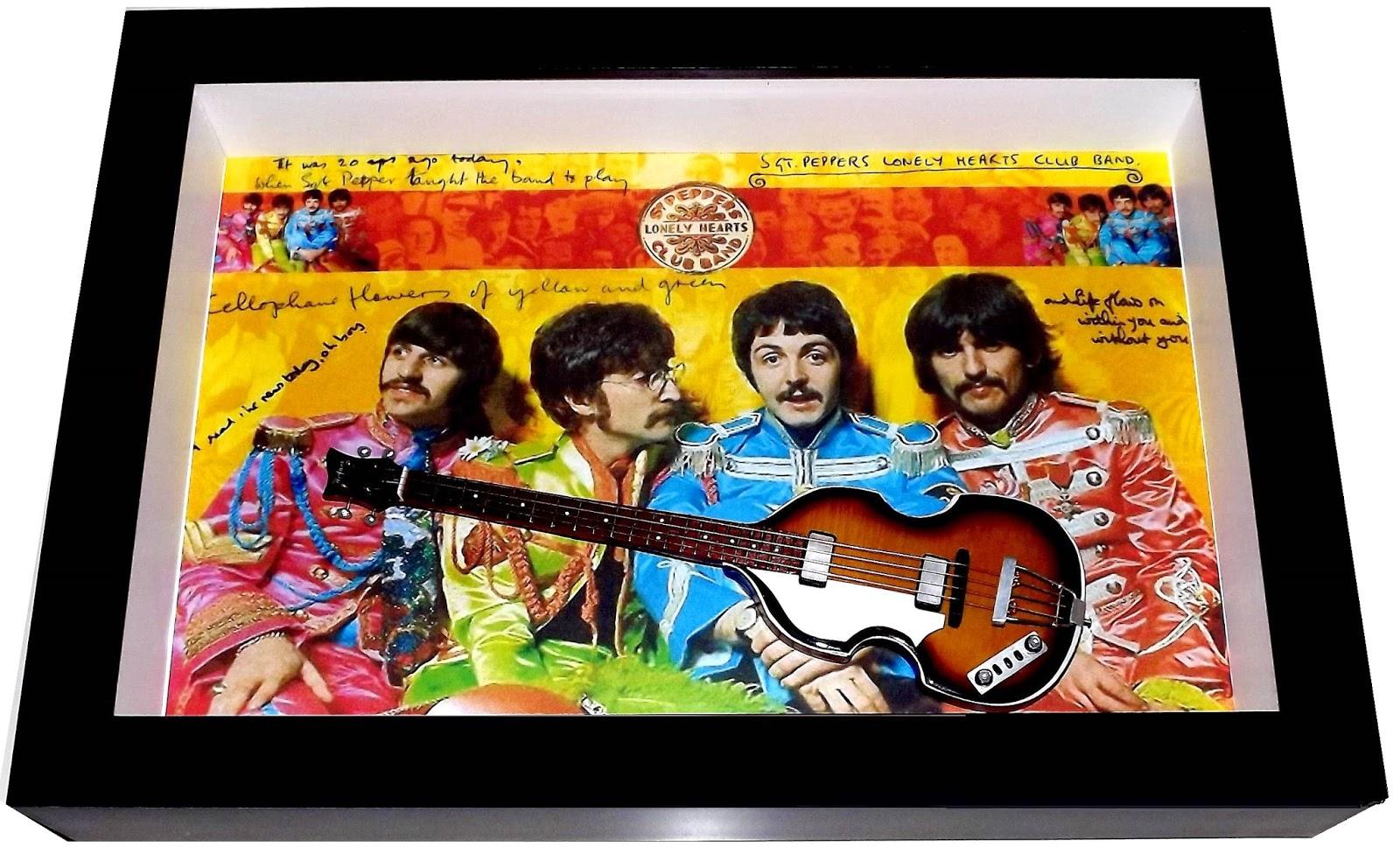 miniatura baixo hofner Beatles