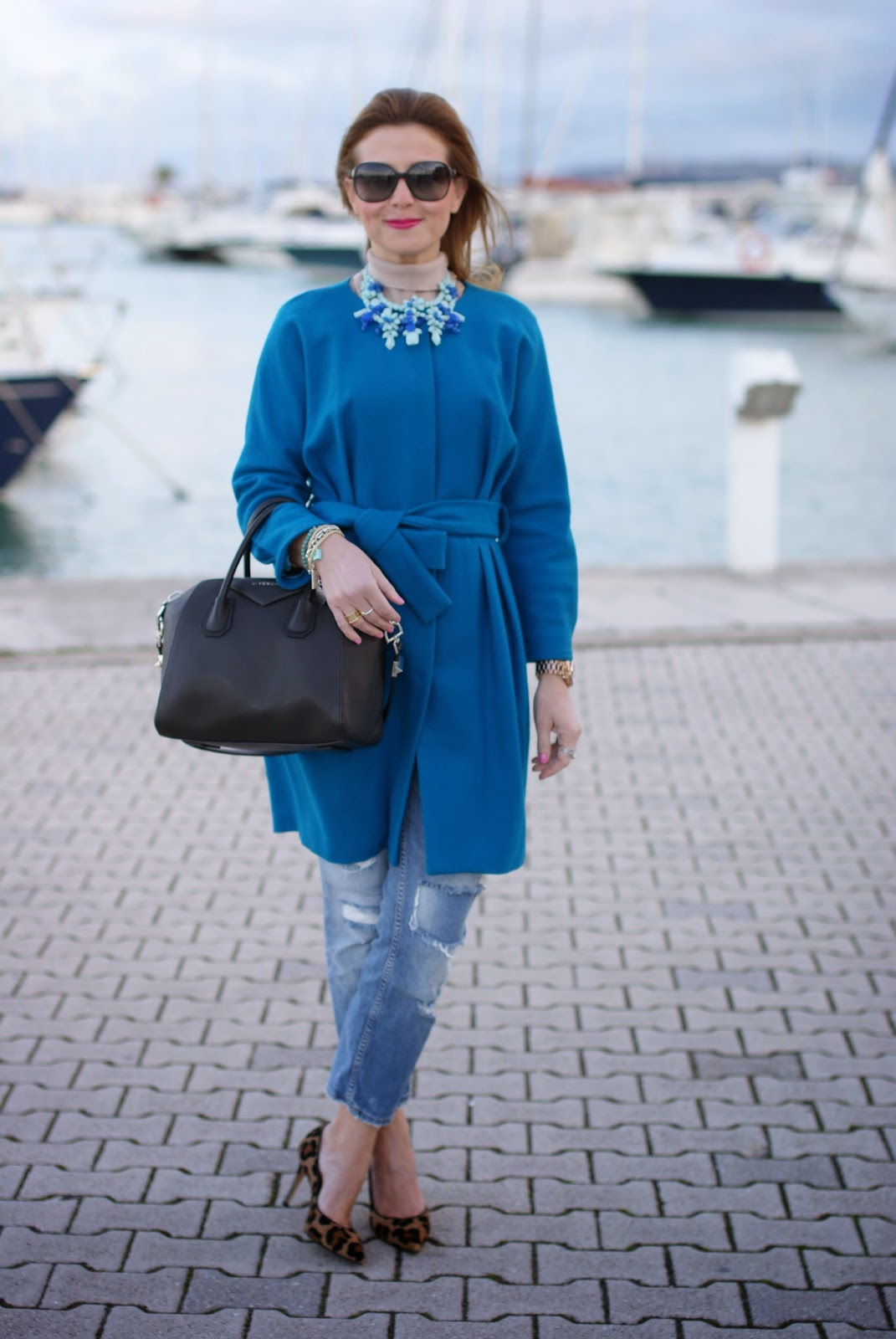 Givenchy Antigona bag, Gianni Marra leopard pumps, Sapphire blue coat, Fashion and Cookies, fashion blogger