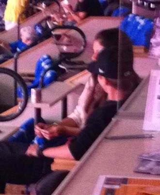 Justin Bieber Selena Gomez kissing NBA finals