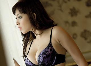 hot Model Majalah Popular Yasmin Zahra [PIC]
